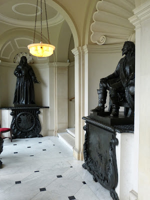 The sculptures of Dame Mary Bankes and Charles I  in the Loggia at Kingston Lacy