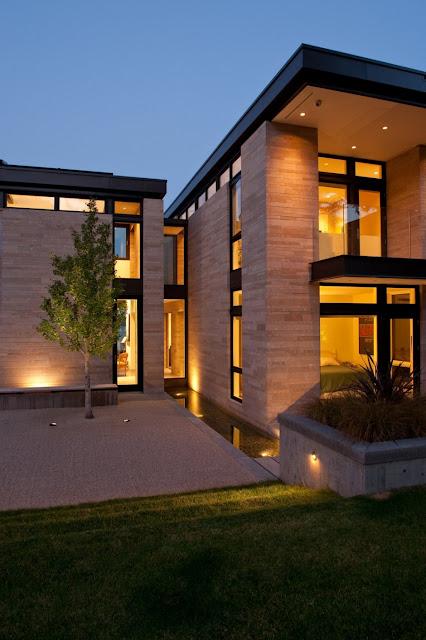 Casa moderna con espejo de agua dise o de casas home for Design casa moderna