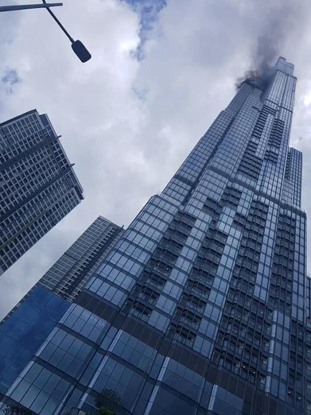 Tòa nhà Landmark 81 bất ngờ bốc khói đen cuồn cuộn trên đỉnh tháp