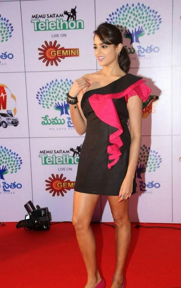 Asmita Sood Wallpapers, Asmita Sood Sexy Photos in Hot Black Dress Without sleeve
