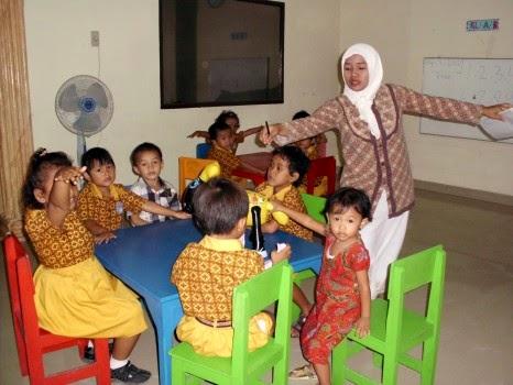 Bang Imam Berbagi Standar Nasional Guru Paud