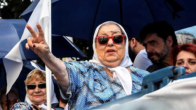 Procesan por presunto fraude a presidenta de Madres de Plaza de Mayo en Argentina