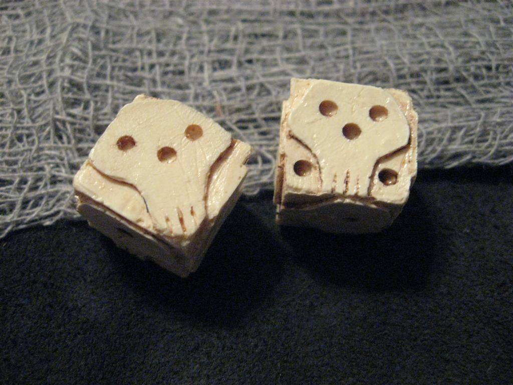 Dice poker wooden board game