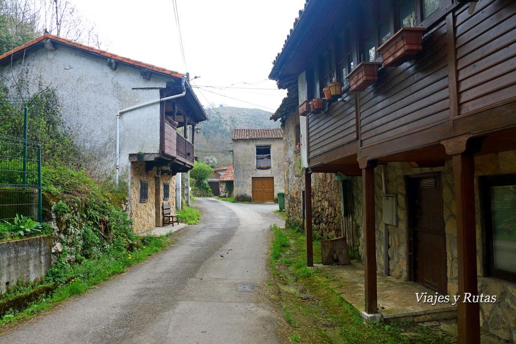 Villamayor, comienzo de la Ruta del Chorrón, Piloña, Asturias