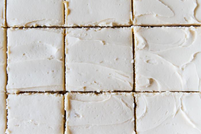 Frosted Hazelnut Cappuccino Bars | bakeat350.net