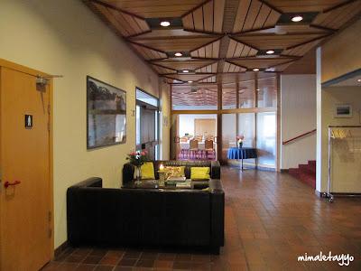 Acceso al restaurante del Hotel Borgarnes