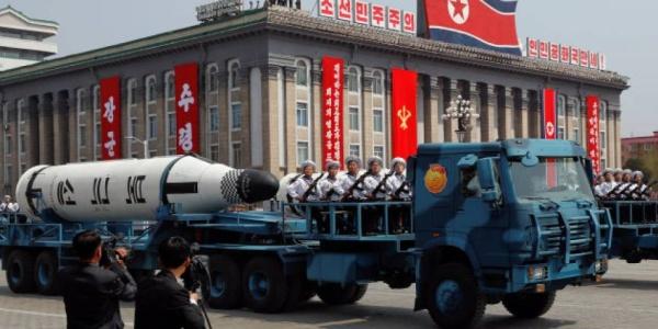 H Βόρεια Κορέα παίζει με την φωτιά: Εκτόξευσε νέο βαλλιστικό πύραυλο «στα μούτρα» των ΗΠΑ
