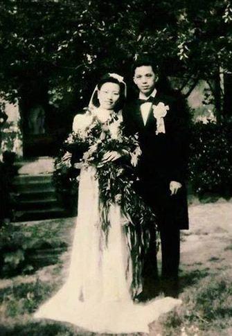 INSPIRASI : Pasangan Setelah 70 Tahun Menikah, Weeding Booknya TERSIMPAN RAPI