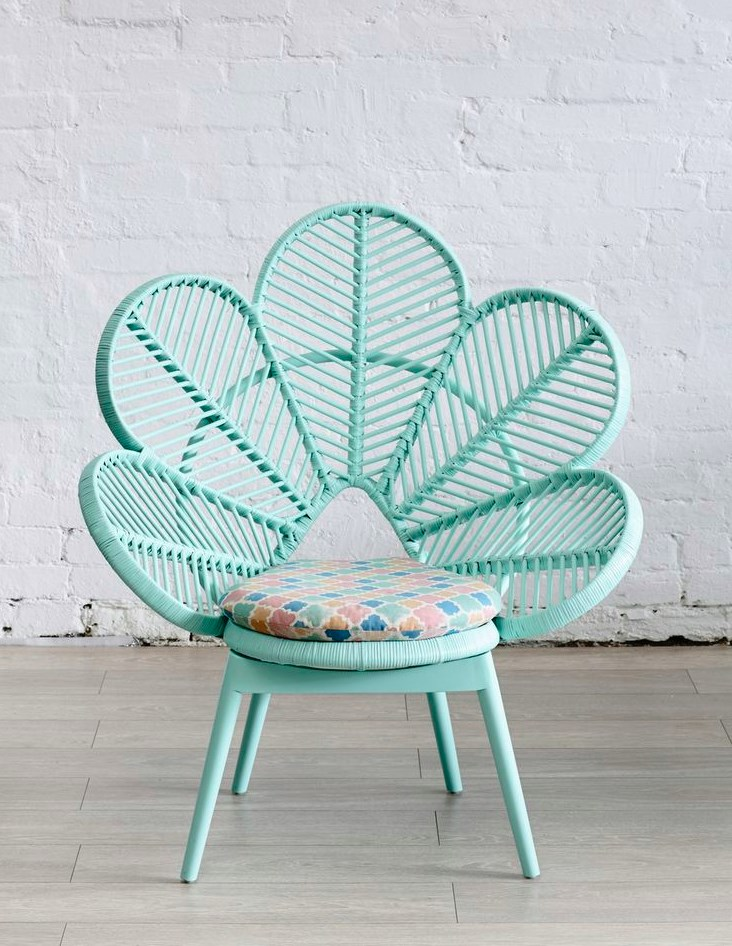 DIY Peacock Chair Ideas | Do it yourself ideas and projects