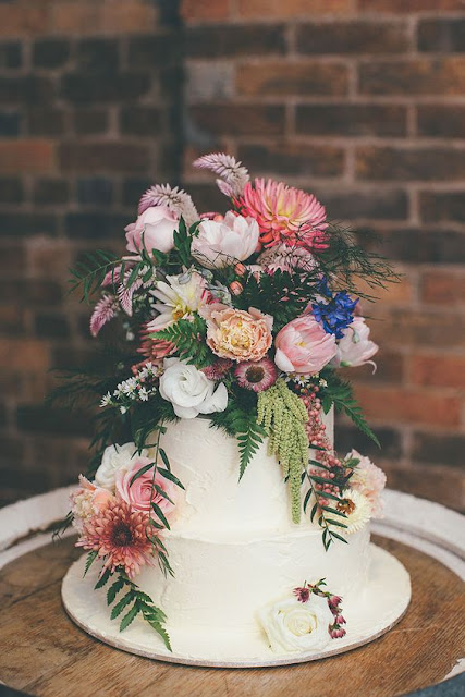 Beautiful Bridal: Bohemian Style Wedding Cakes