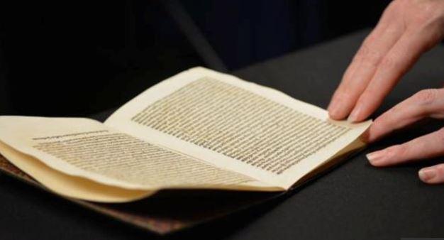U.S returns stolen Christopher Columbus letter
