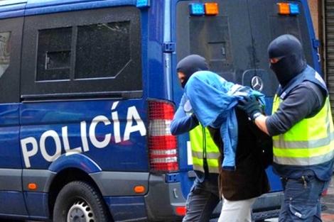 إسبانيا تعتقل مغربياً كان يعتزم السفر إلى سوريا للقتال مع القاعدة !