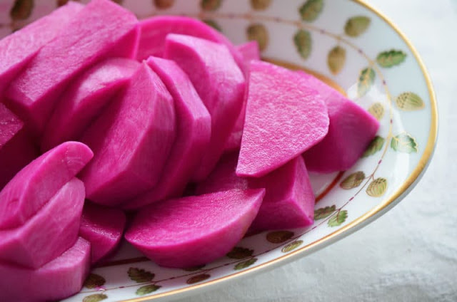 LEBANESE TURNIP PICKLES