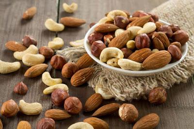 Những loại vitamin có lợi cho vòng 1 của phái đẹp căng tròn-https://moingaysongkhoe
