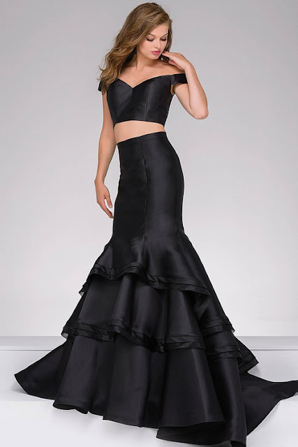 https://www.couturecandy.com/sale/clearance-dresses/?utm_source=cj&utm_medium=affiliates&utm_campaign=affiliate+program