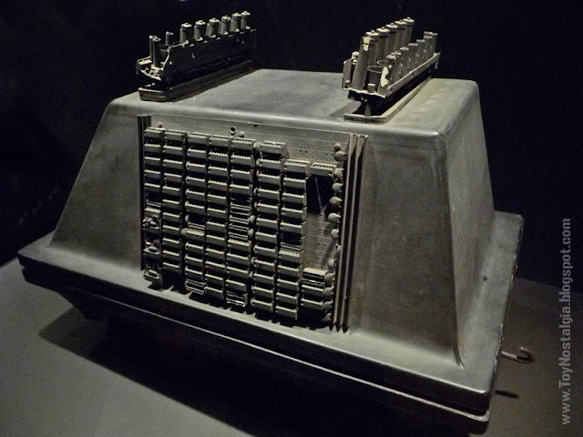 """""""Mouse droid"""" MSE-6 repair droid """"Episode IV - A new Hope""""  (STAR WARS - The Exhibition)"""