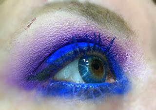eye_makeup_look_tea_dark_purple