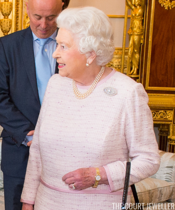 The Sunday Ring Queen Elizabeth Ii S Engagement Ring The Court