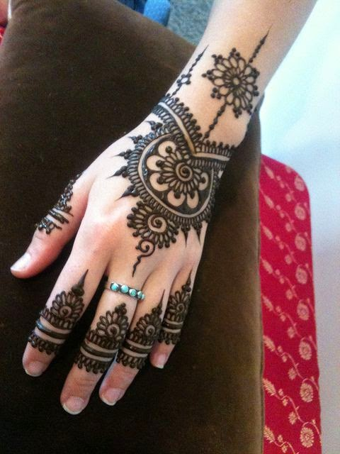 Easy Henna Hand Tattoos: Simple And Elegant Henna Tattoo Designs For Hands