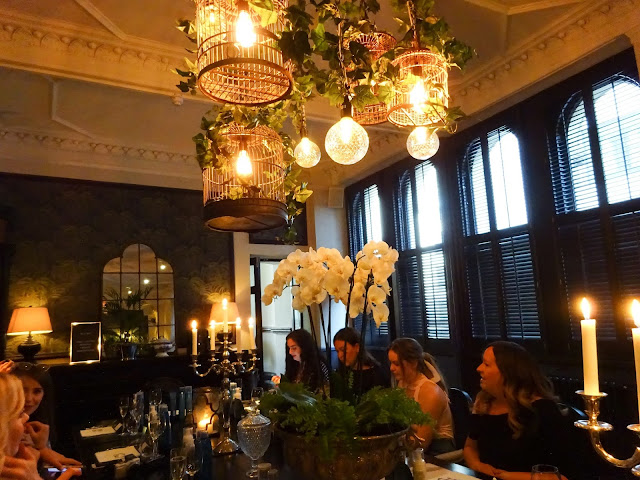 Chandelier, Blogger Event