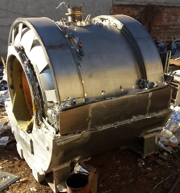 Cápsula com suspeita de radioatividade é encontrada no bairro Junco; fotos