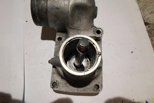 ensemble axe turbine dans pompe Peugeot 203