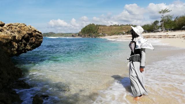 Pantai Pasir Putih Pasetran Gondo Mayit Blitar