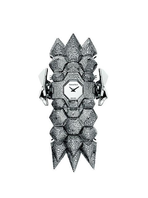 ساعة نسائية فاخرة من أوديمار بيغيه