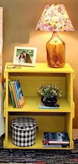 mesa de luz hecha con cajon de madera reciclado