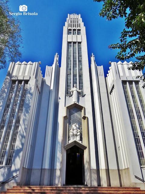 Vista ampla da fachada da Paróquia São Rafael - Moóca - São Paulo