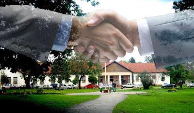 Negocios políticos con una Escuela