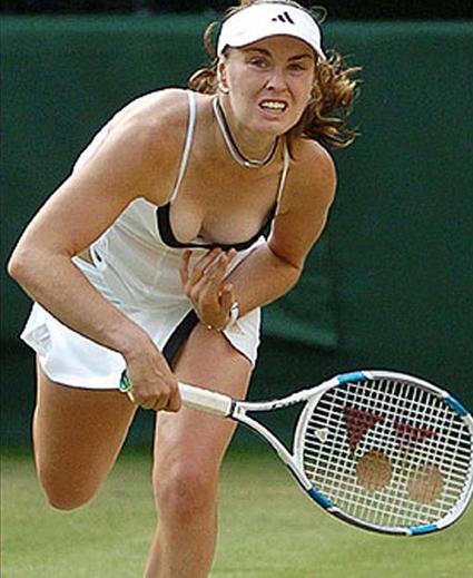 Tennis Wardrobe Malfunction Pics: Tennis Player Pussy Slip