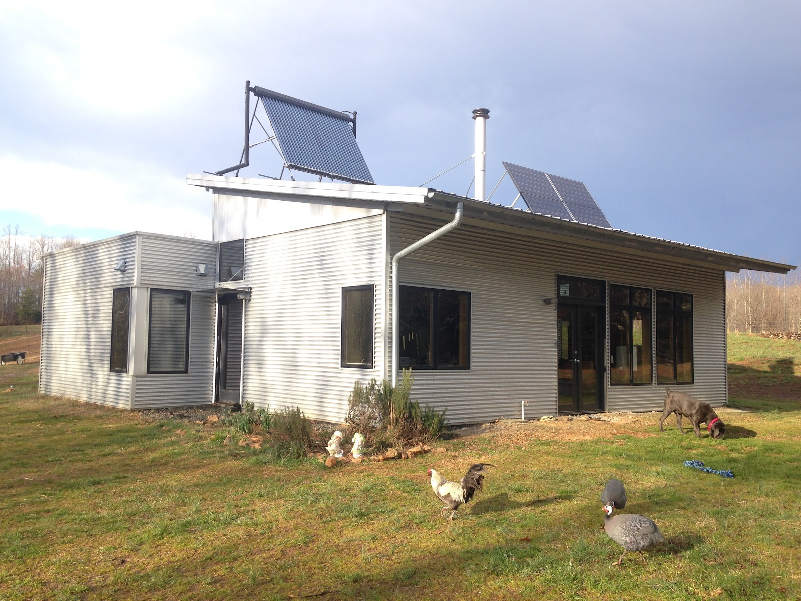 Enjoying energy efficient off grid modern prefab sip home for Passive solar prefab homes