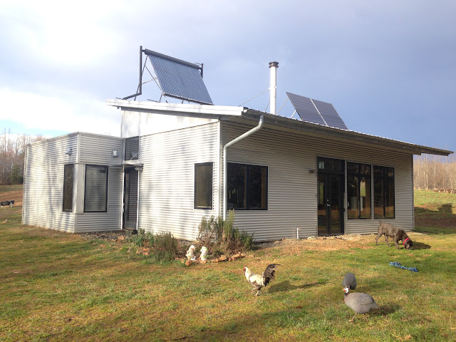 Enjoying Energy Efficient Off Grid Modern Prefab Sip Home