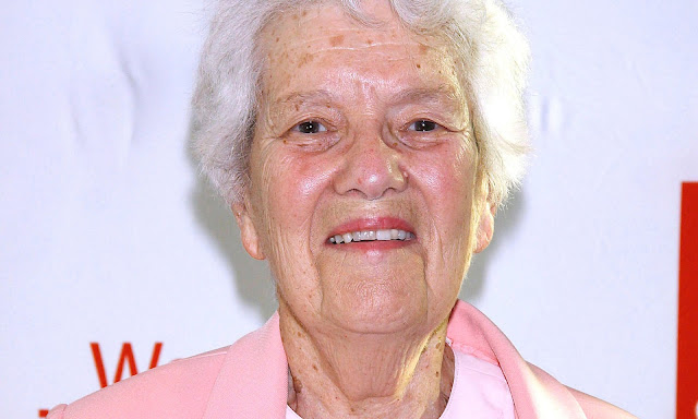 Bà Vera Rubin tại một sự kiện vào năm 2011. Hình ảnh: Alamy.