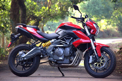 Benelli TNT 600i ABS right side pictures;