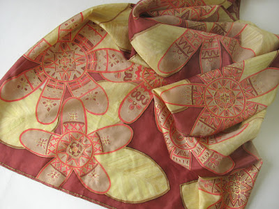 Hand painted silk scarf, golden flowers on wine red background / silko tapyba, silko salikelis, aukso geles bordo fone