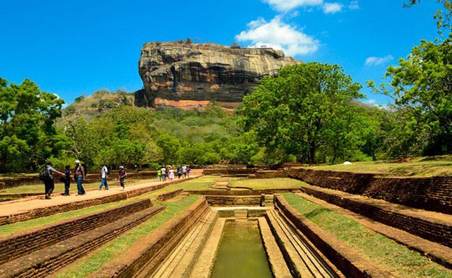 Xvlor.com Sigiriya is fortress and gardens as sophisticated city layout in first millennium