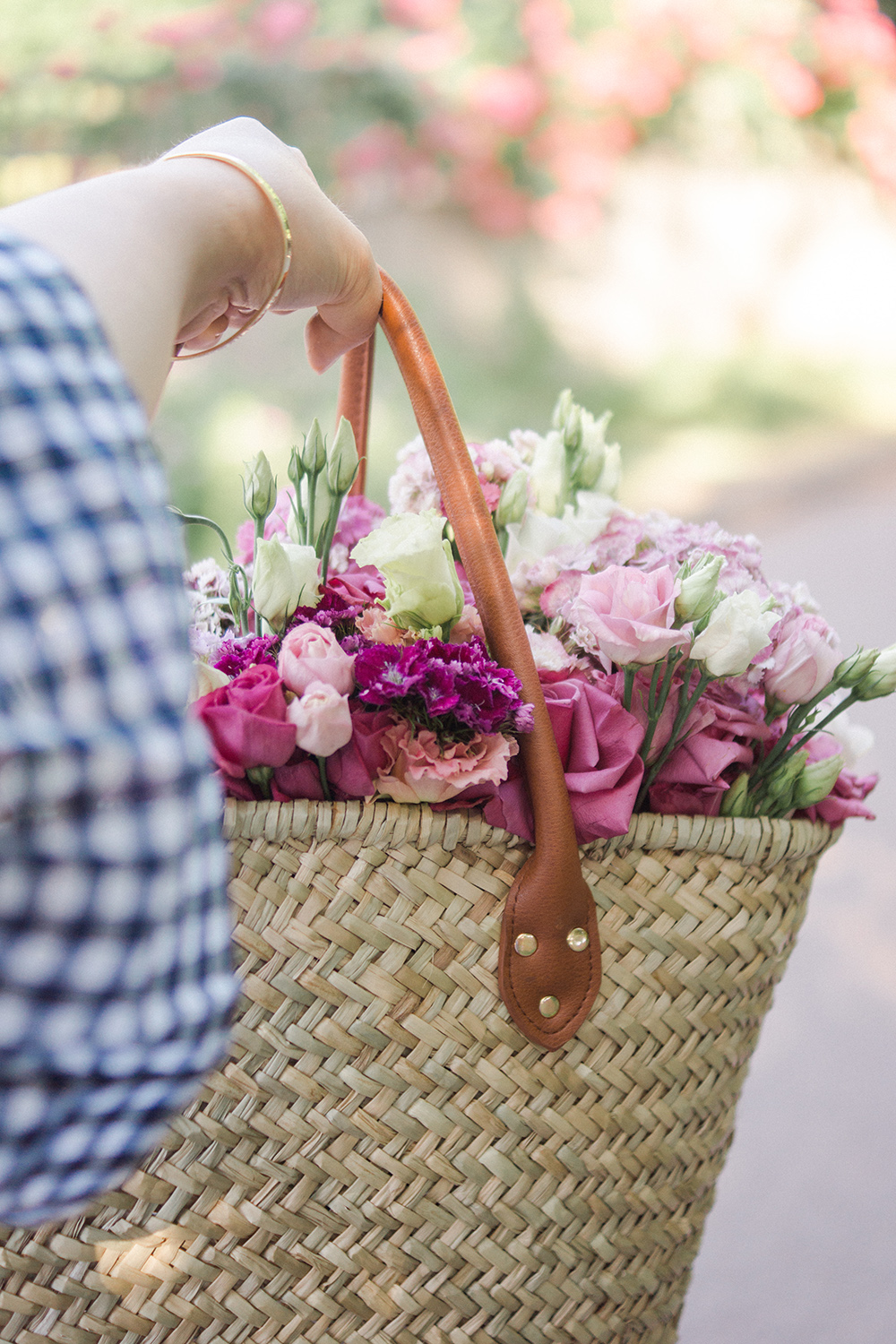 straw-bag-flowers-summer