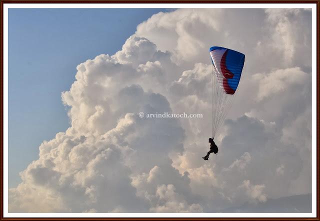 Para-glider, Dense Clouds, Para-gliding, extreme sports
