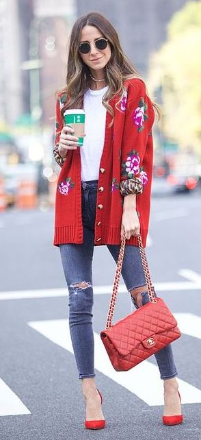 what to wear with a floral cardi : white top + red bag + rips + heels