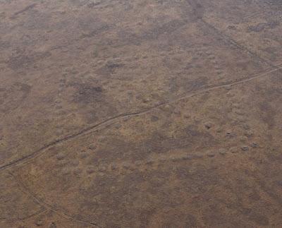 Un geoglifo trovato in Kazakistan sembra una scatola contenente una X o una croce