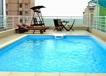 Hồ bơi tại khách sạn Sunny Nha Trang