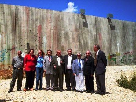 Parlamentares brasileiros repudiam muro do apartheid de Israel