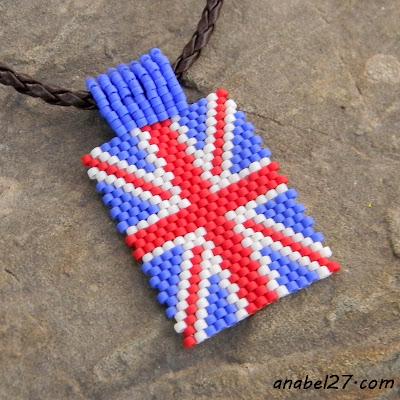 "Кулон из бисера ""Британский флаг"""