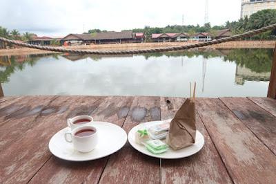 Teras  Kanaka Lake Villa Batam