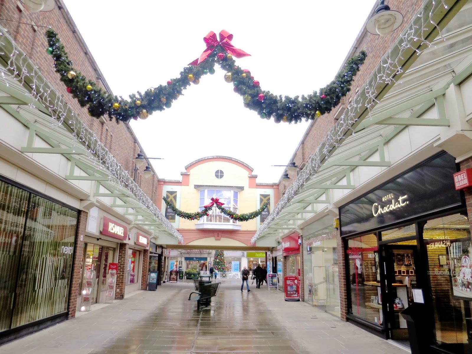Christmas Shopping In Salisbury - Dizzybrunette