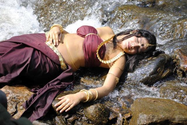 Actress Haripriya Latest Hot Photos