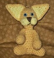 http://translate.googleusercontent.com/translate_c?depth=1&hl=es&rurl=translate.google.es&sl=en&tl=es&u=http://www.favecrafts.com/Crochet-Amigurumi/Clyde-the-Golden-Cat&usg=ALkJrhhEsfhAfWup6e-jeZC82kiSLCoOtQ