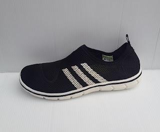 sepatu adidas slop, foto sepatu adidas slop